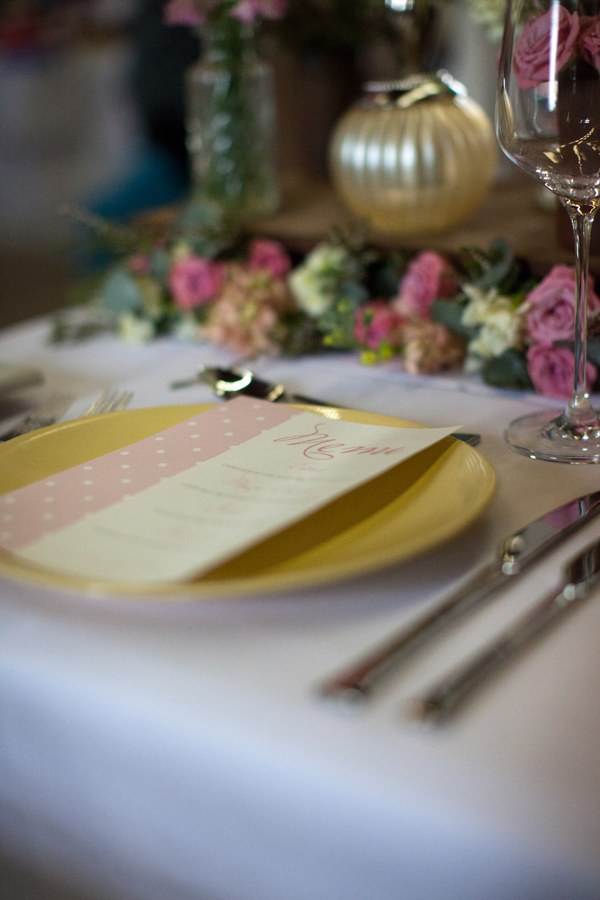 wedding yellow plate crockery cutlery flowers pearl vintage