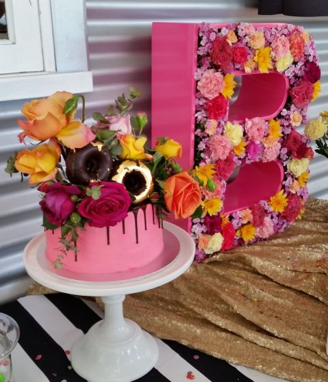 Baby Shower 16 Meaghan Cook Cake Donut flowers gold leaf